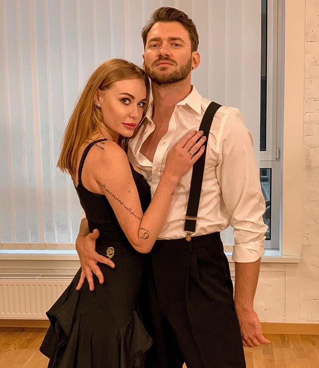 Выходи уже замуж!  Слава Неангелова спровоцировал сеть романом с бывшим партнером по `` Танцам со звездами 2020 ''