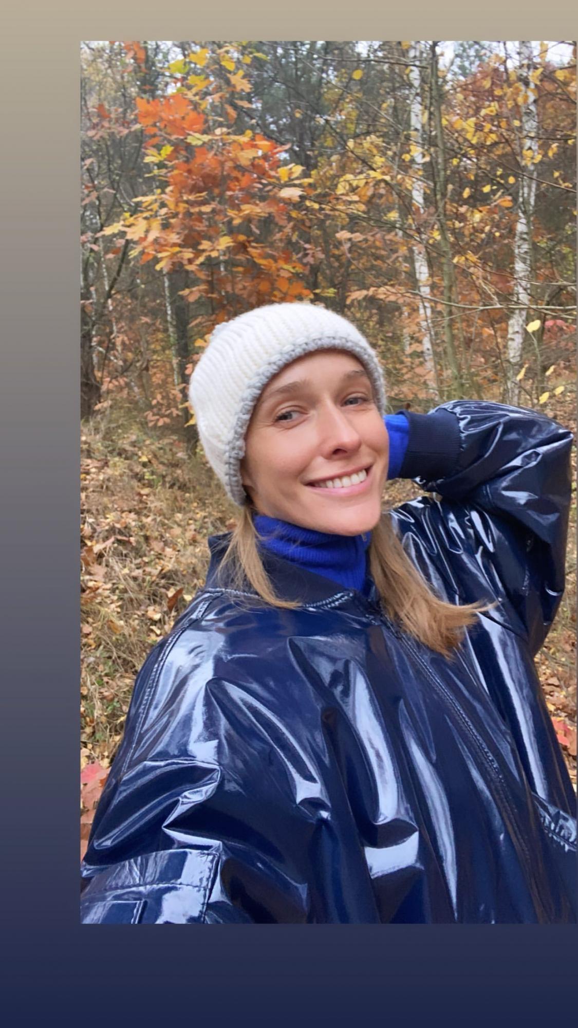 Катя Осадчая очаровала осенним семейным образом с сыном и растрогала Горбунова: папа скучает
