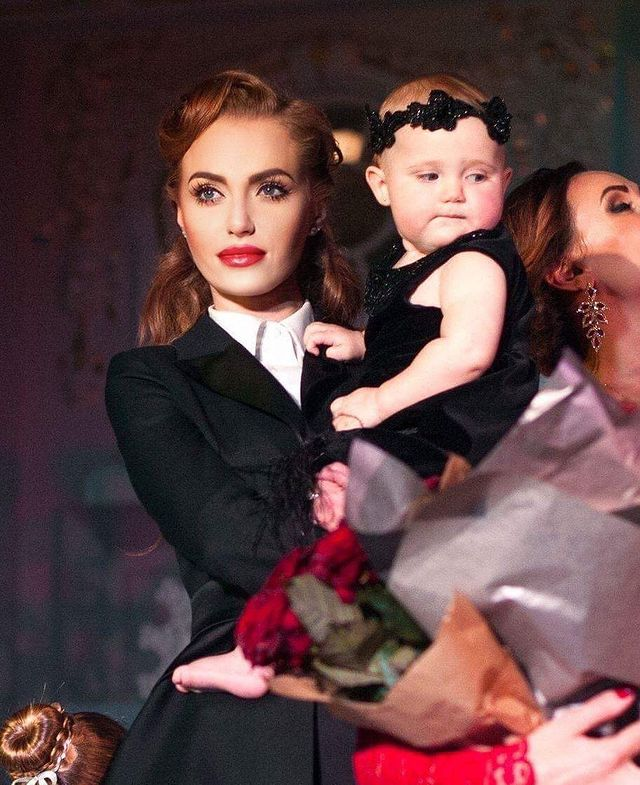 Влюбленные дети: Слава Неангелова тронул фото с днем рождения бывшей жены и дочери
