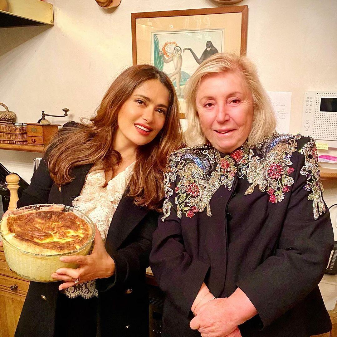 По-прежнему прекрасна: 54-летняя Сальма Хайек восхитила цветущим внешним видом