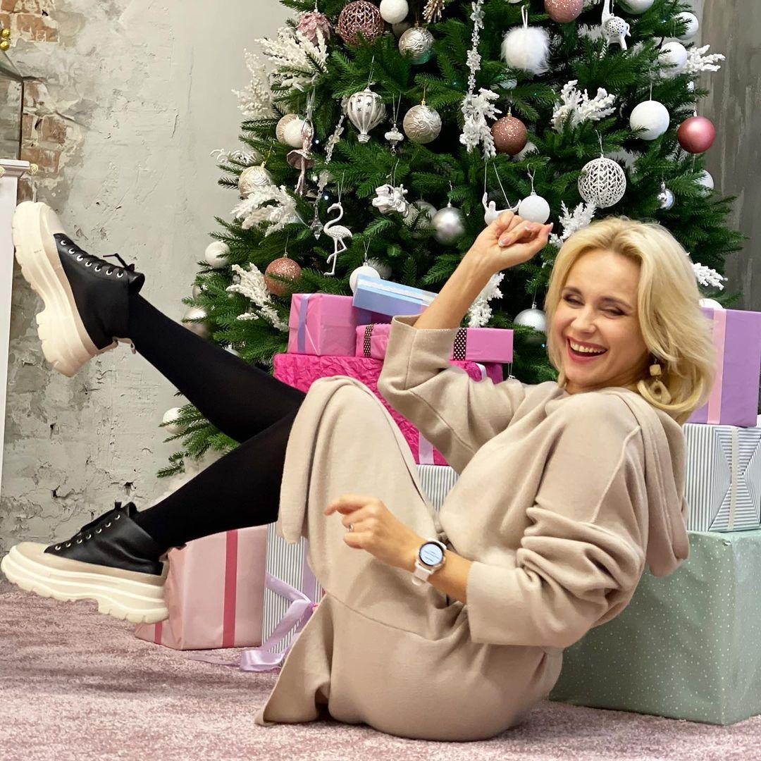 Просто красотка: Лилия Ребрик в стильном наряде рассказала, как разгрузиться после новогодних вечеринок