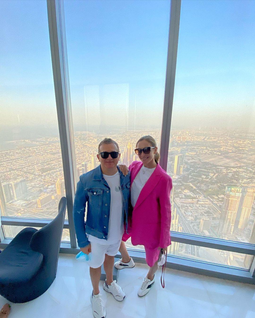 На яхте и самом высоком небоскребе в мире: Горбунов и Осадчая трепетали от отпуска в Дубае