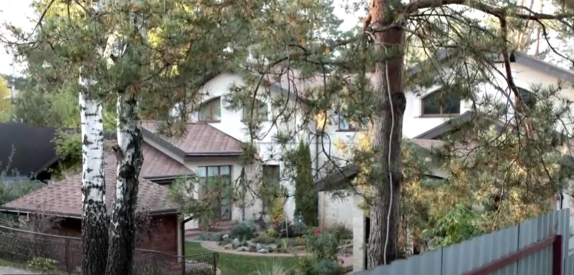 Журналісти показали шикарний будинок Лободи під Києвом: коштує 12 мільйонів