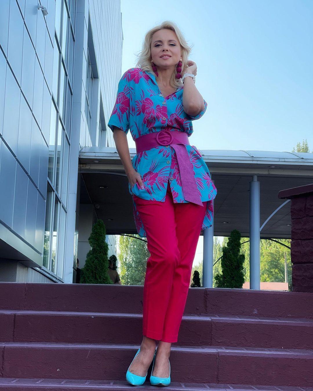Больше красок: Лилия Ребрик заворожила сочным летним образом