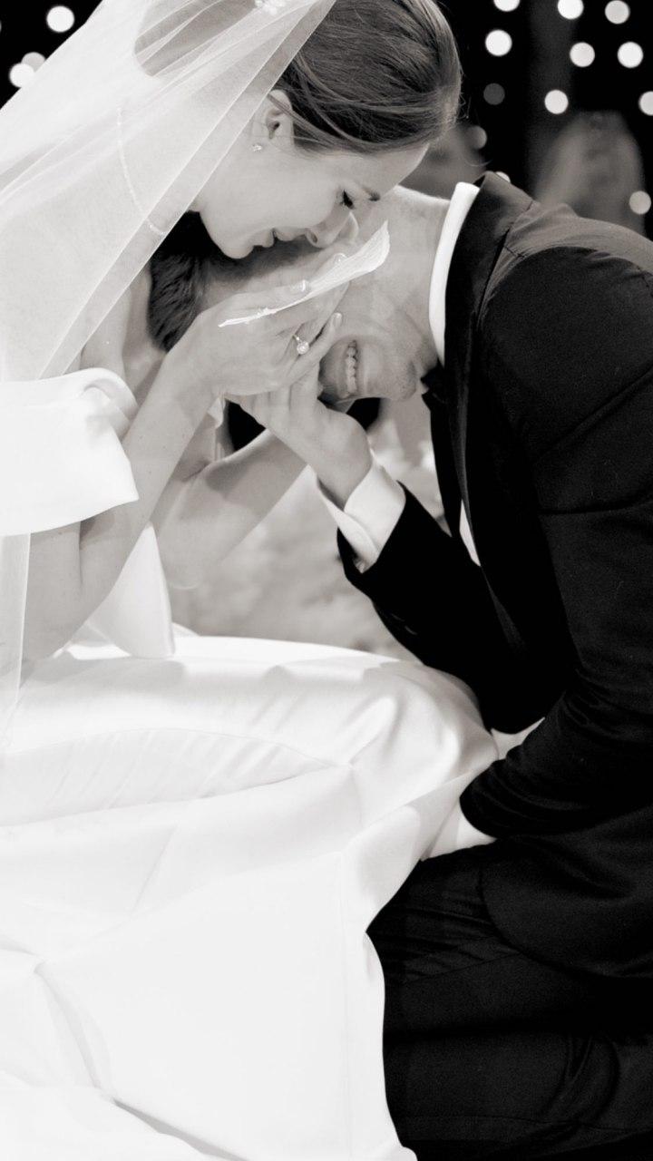 Появились фото с пышной свадьбы Остапчука: не сводите глаз!