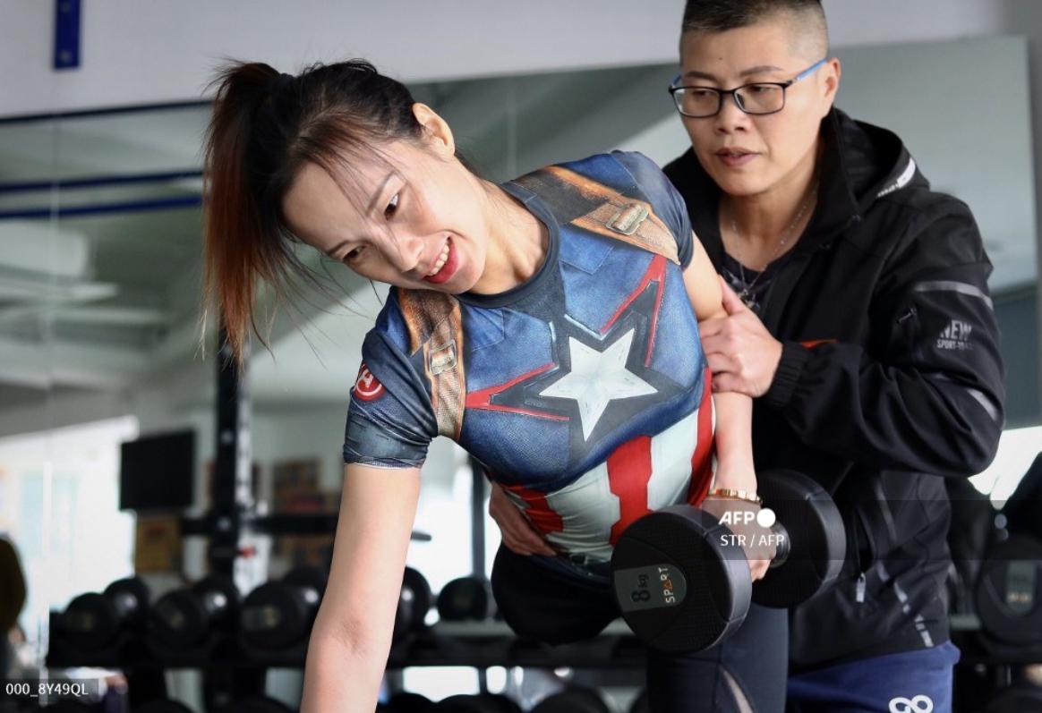 Потеряла ногу в 7 лет: уникальная культуристка выиграла турнир по бодибилдингу (фото, видео)