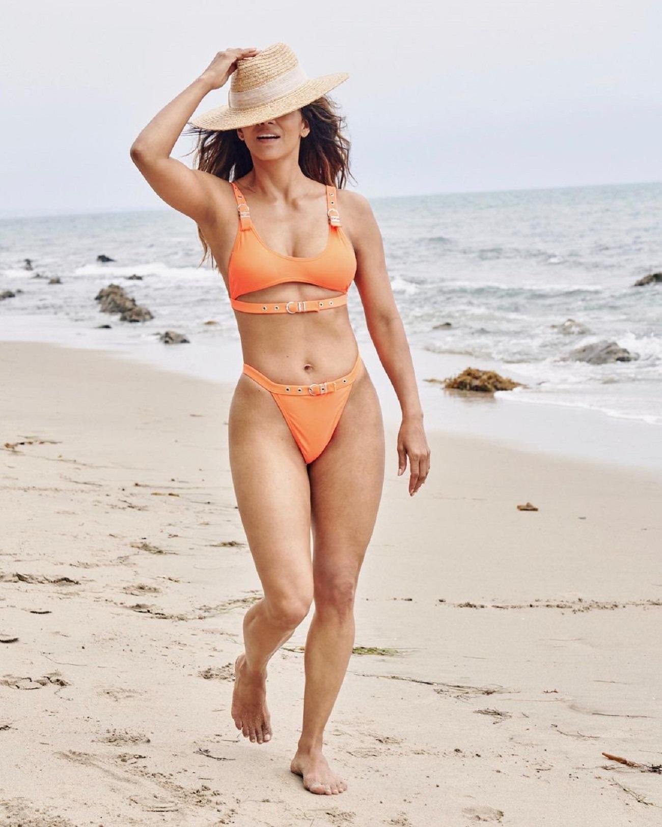 54-летняя Холли Берри показала спортивную фигуру в обтягивающем наряде