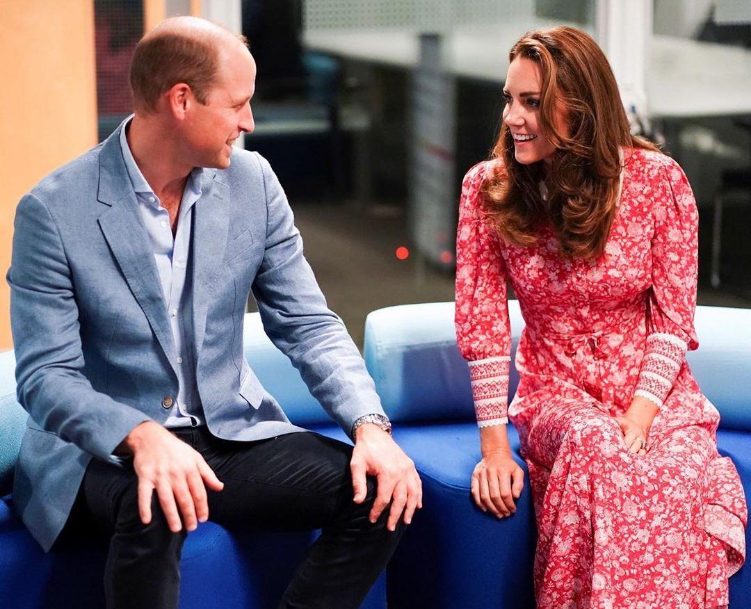 Стиль на все времена: Кейт Миддлтон вышла в свет в обворожительном платье в духе принцессы Дианы