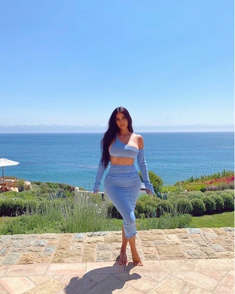 Морская богиня: Ким Кардашьян в соблазнительном наряде восхитила совершенной фигурой