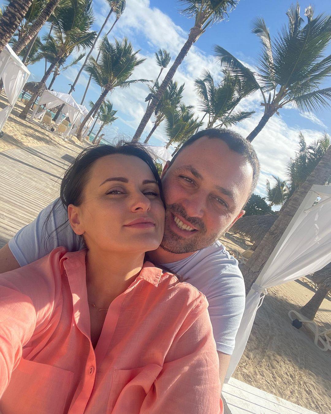 """Звезда """"МастерШеф"""" выходит замуж во второй раз: страстные фото с избранником"""