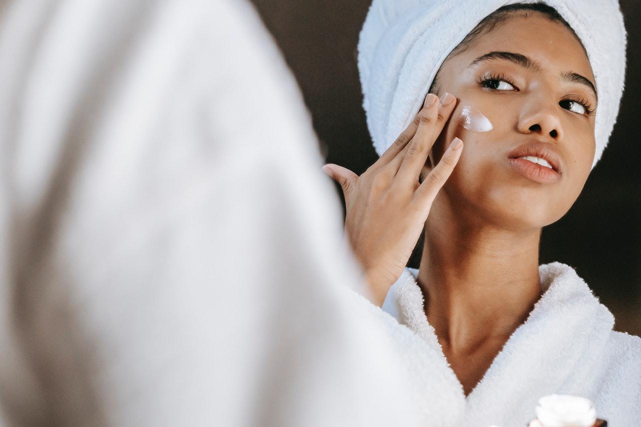 Топ-10 правил, которые помогут сохранить кожу без морщин