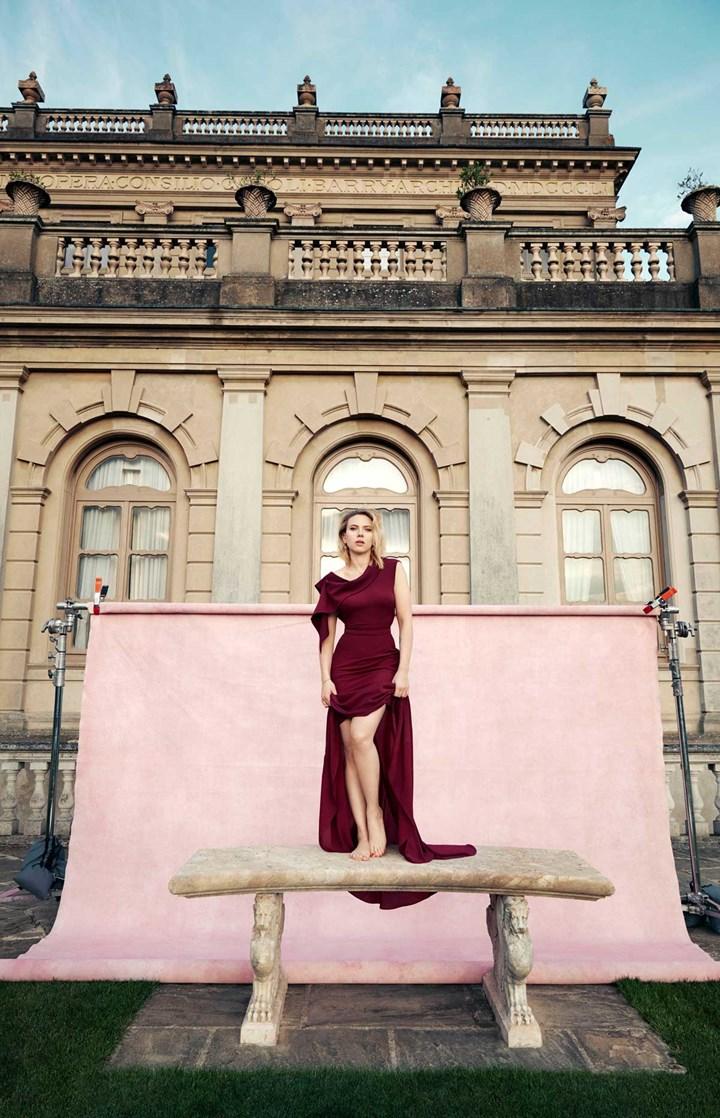 Не могу оторвать глаз: Скарлетт Йоханссон покорила красоту в роскошных нарядах от кутюр