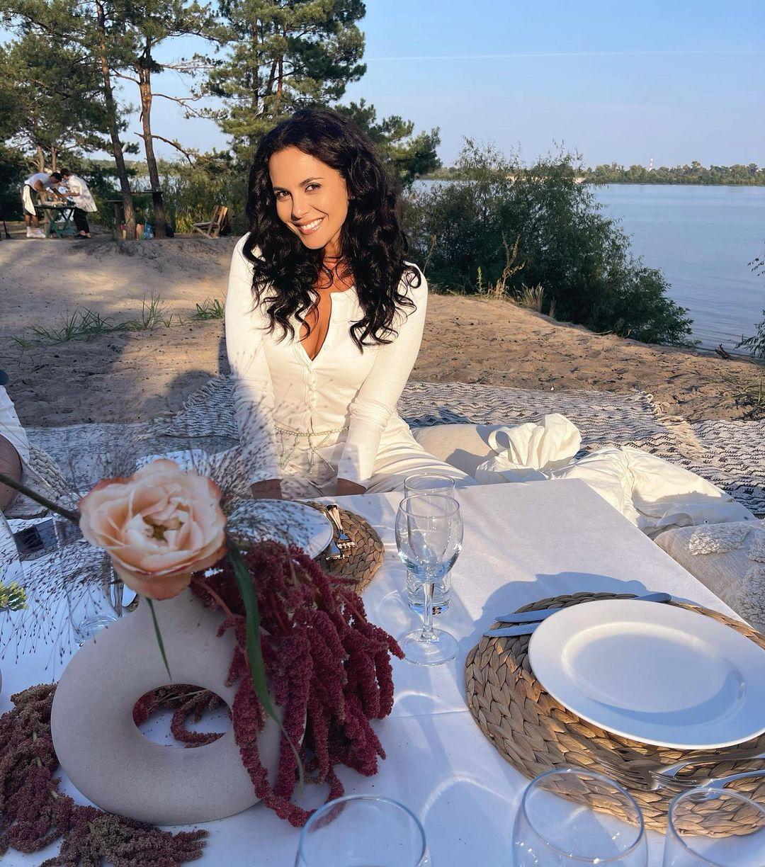 Іменинниця Осадча влаштувала веселий дівич-вечір з Каменських, Астаф'євою та Єфросиніною