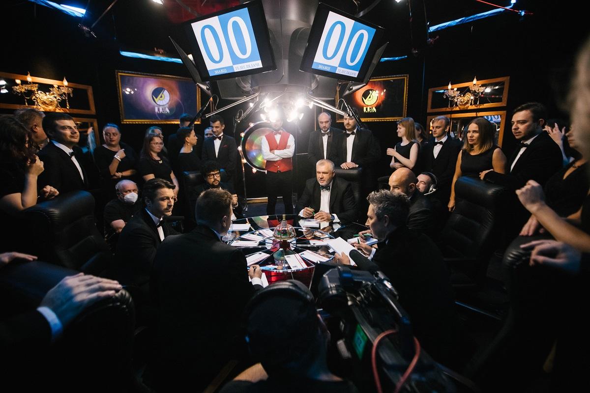 """На украинское ТВ возвращается легендарная игра """"Что? Где? Когда?"""": список звездных знатоков"""