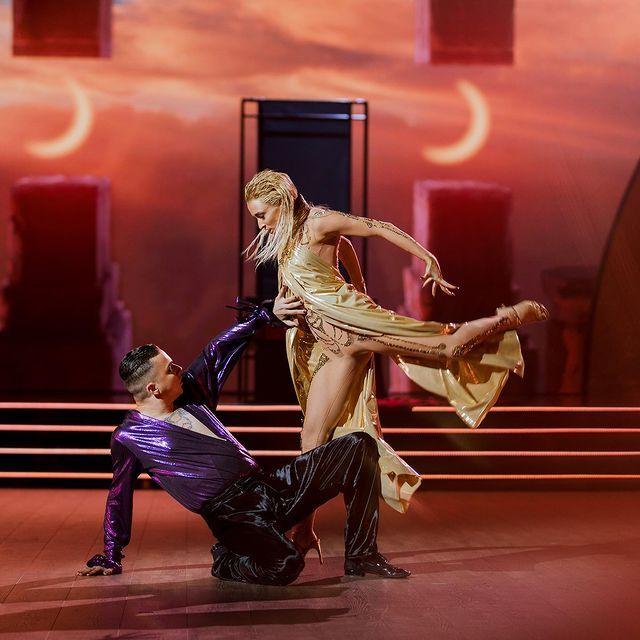 """Лякай першим: епатажний Mеlovin на """"Танцях з зірками 2021"""" шокував Кухар"""